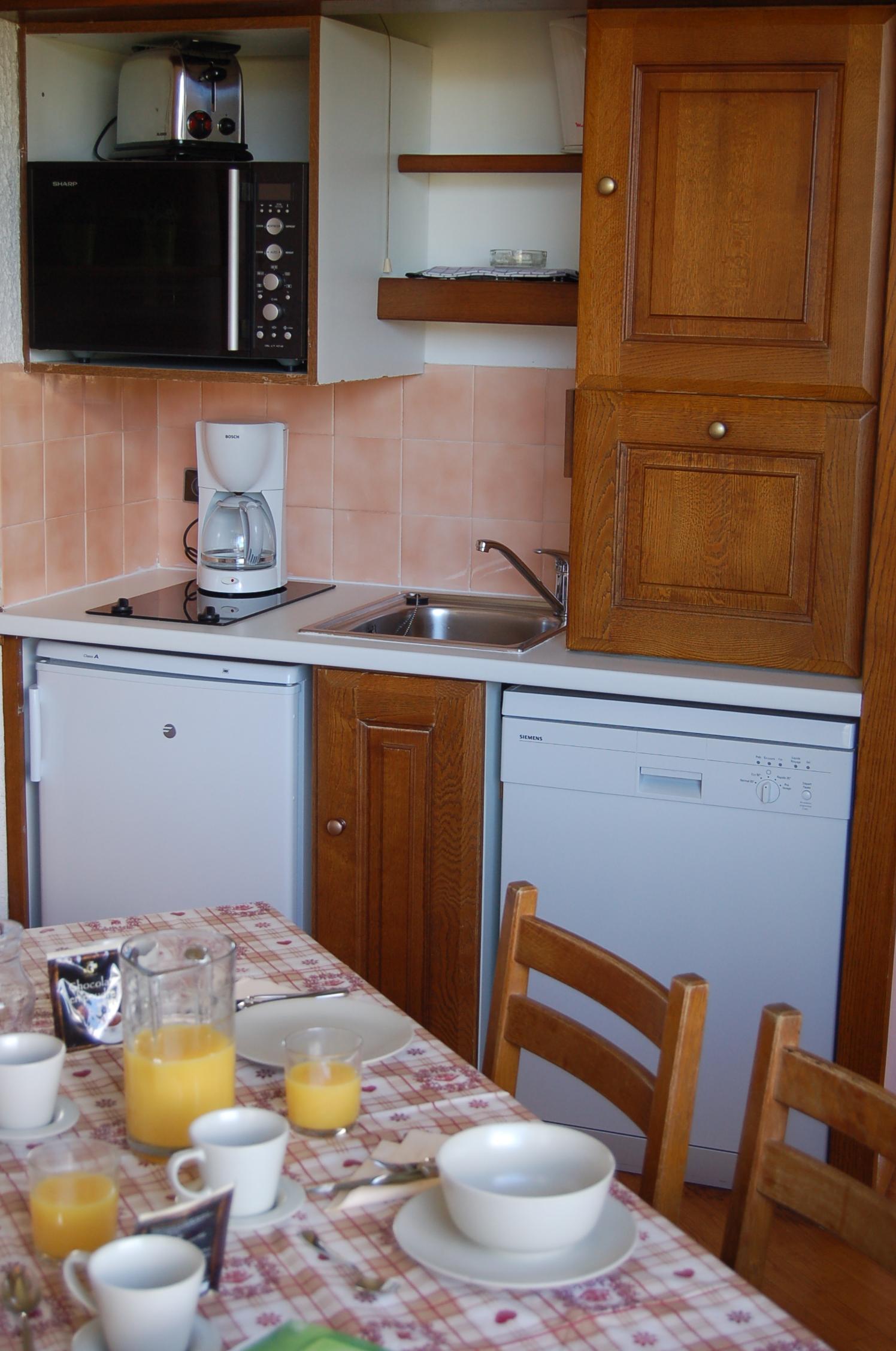 224-kitchenette